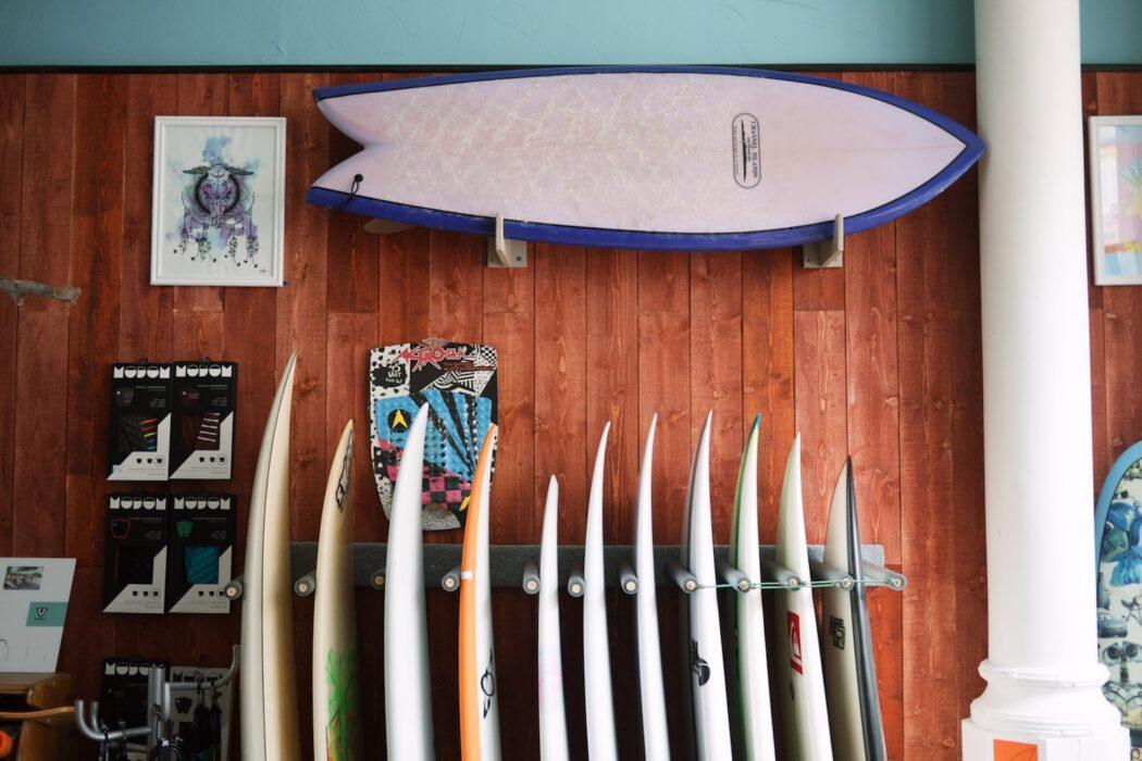 customind surfshop corner surf
