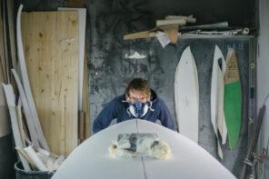 Shaper sa planche chez Blank Surf Shack
